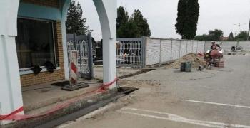 """""""Комуналац"""" самостално санира Градско гробље"""